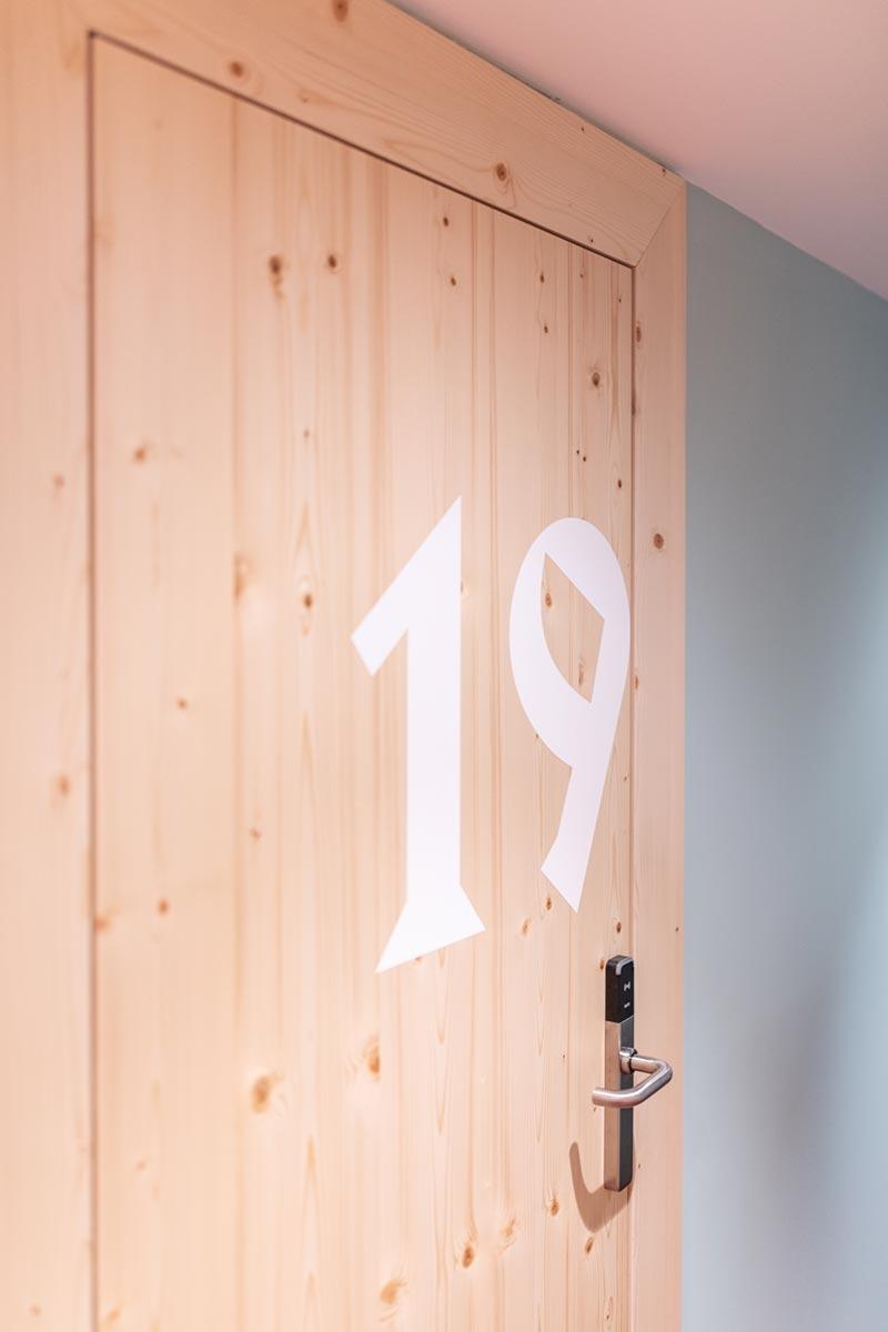 Lovely Mari room number
